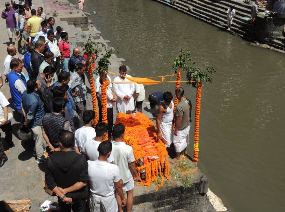 Cremation in Pashupatinath Nepal