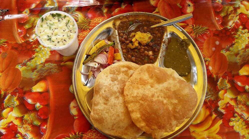 Indian cuisine Chhole Bhature