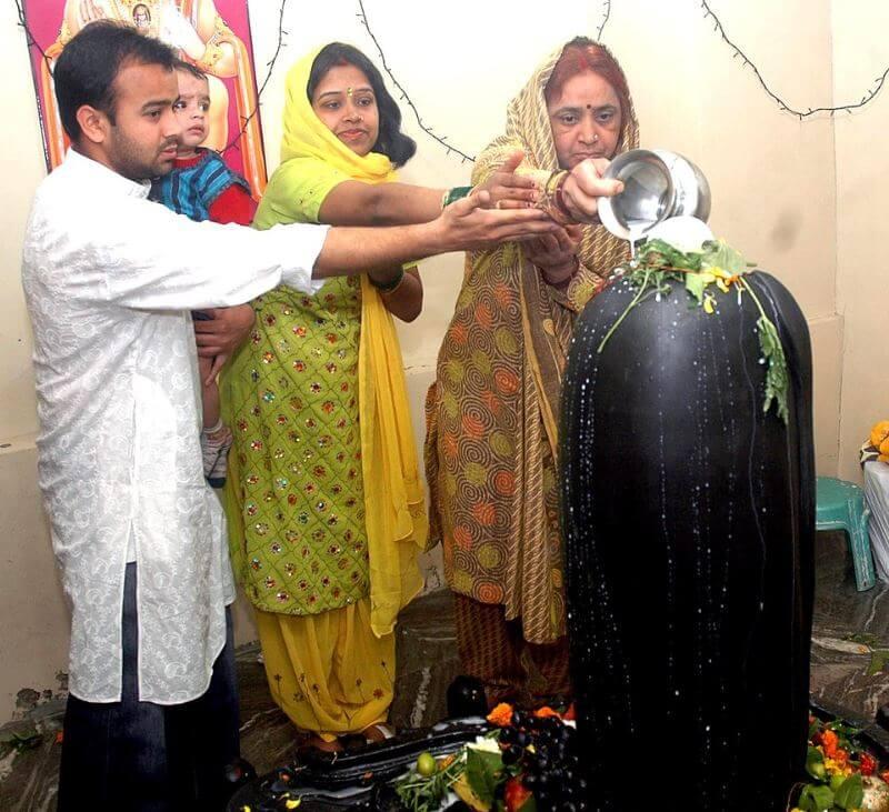 Hindu gods Shiva Linga ritual
