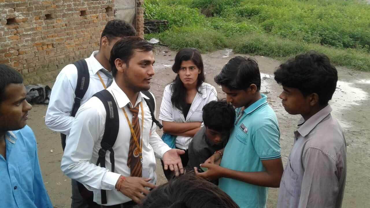 Volunteers in Rural India