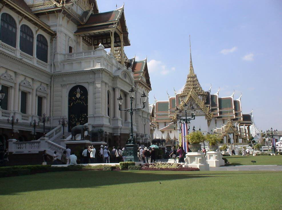 solo female travel to Thailand
